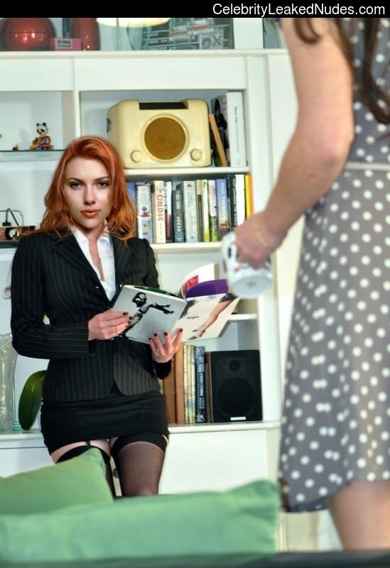 Celebrity Nude Pic Scarlett Johansson 9 pic