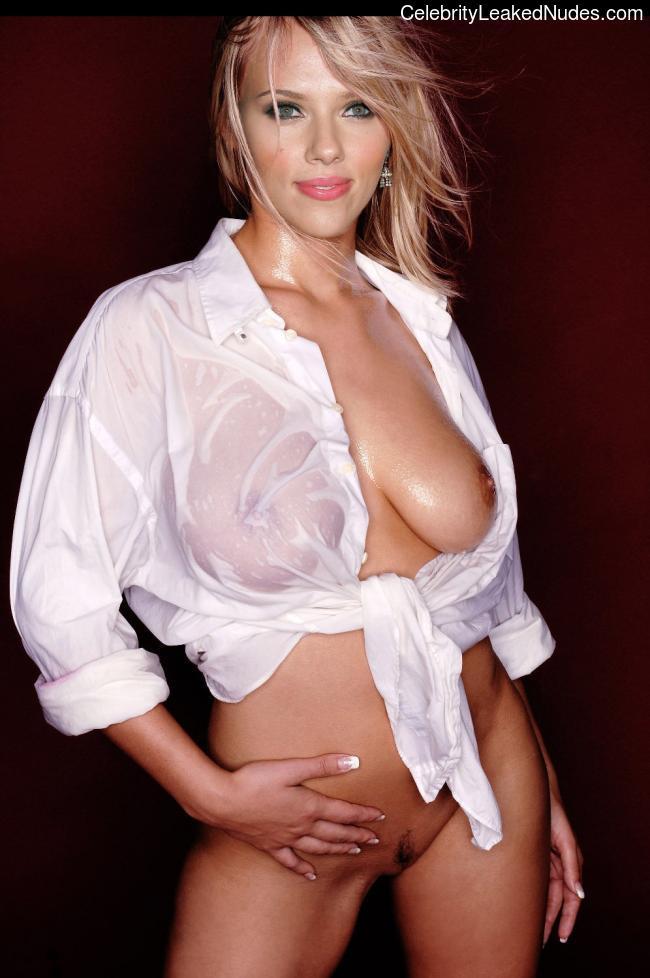 Naked Celebrity Scarlett Johansson 18 pic