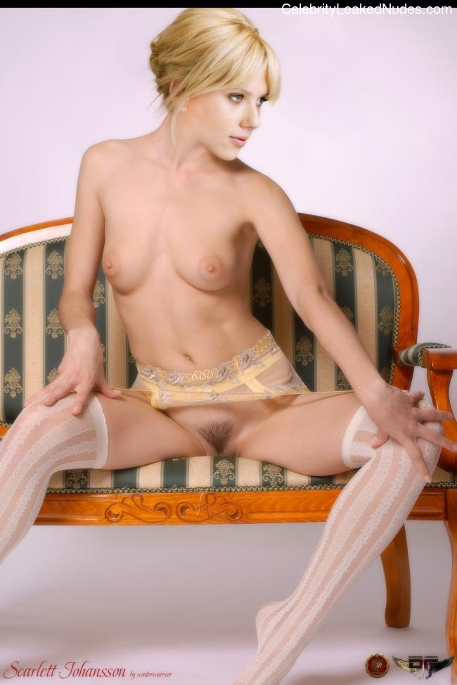Free Nude Celeb Scarlett Johansson 23 pic