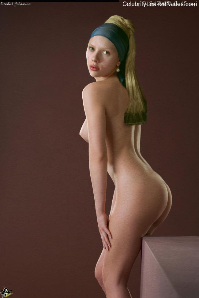 Hot Naked Celeb Scarlett Johansson 7 pic
