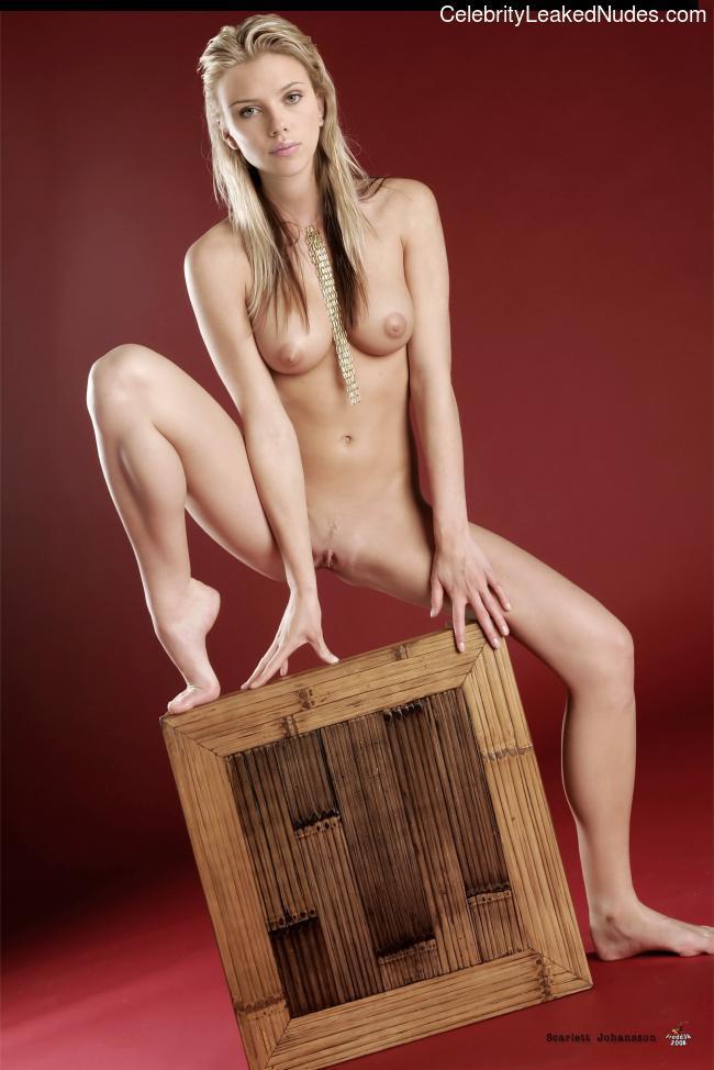 fake nude celebs Scarlett Johansson 2 pic