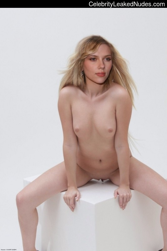 Celebrity Leaked Nude Photo Scarlett Johansson 1 pic