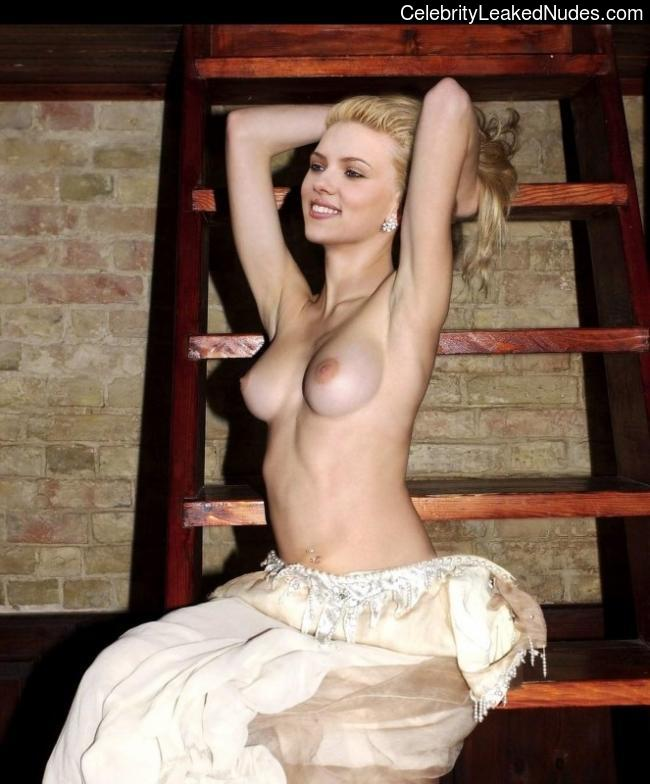 Celebrity Leaked Nude Photo Scarlett Johansson 7 pic