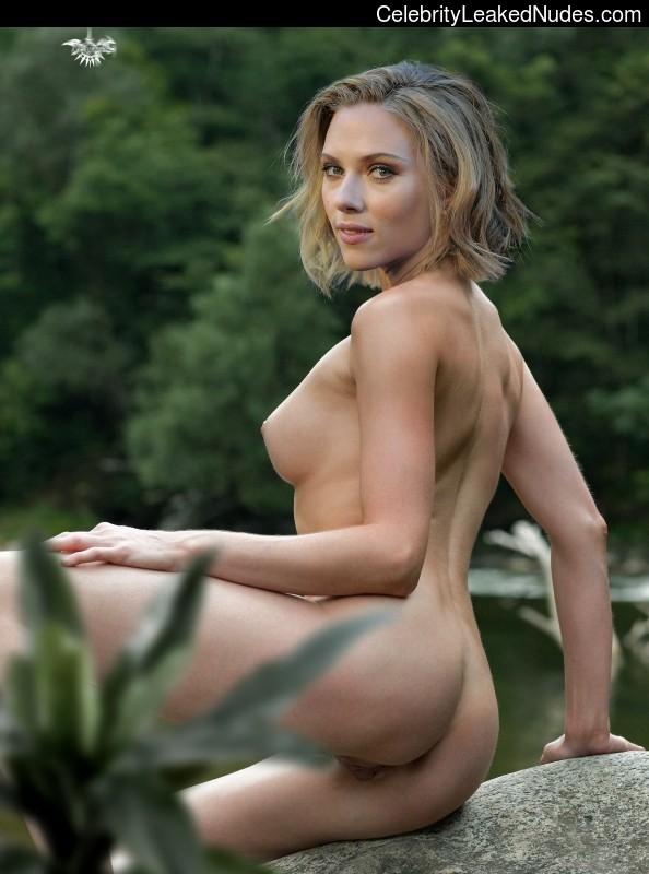 Naked Celebrity Pic Scarlett Johansson 8 pic