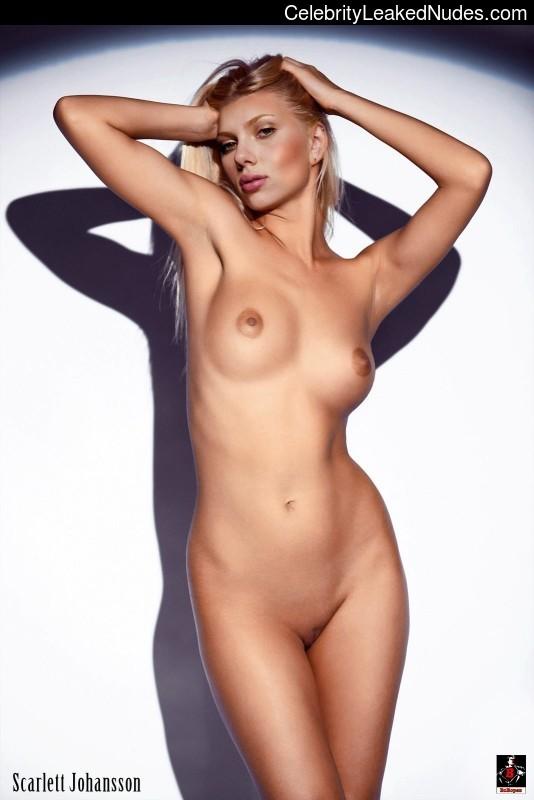 Naked Celebrity Pic Scarlett Johansson 11 pic