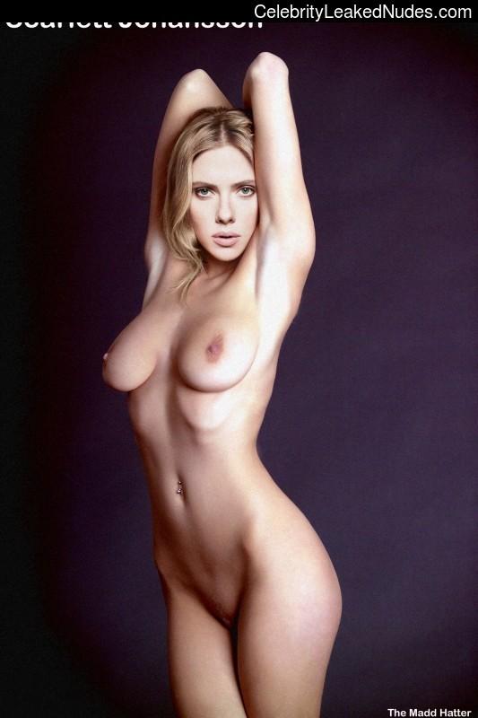 Free Nude Celeb Scarlett Johansson 9 pic