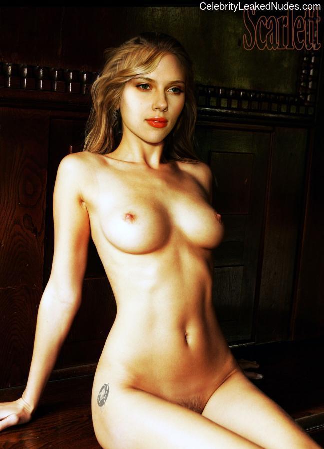 Naked Celebrity Scarlett Johansson 11 pic