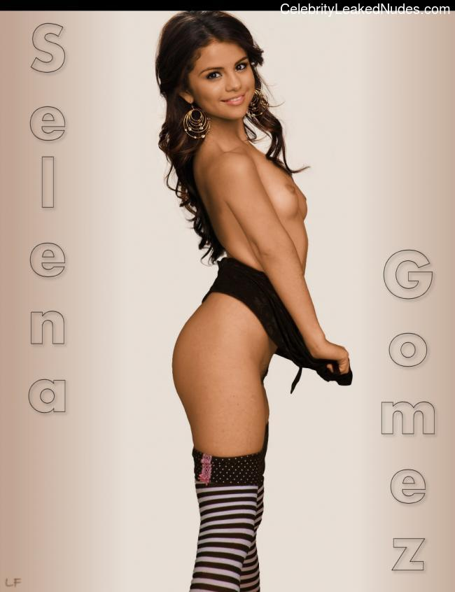 Nude Celeb Pic Selena Gomez 24 pic