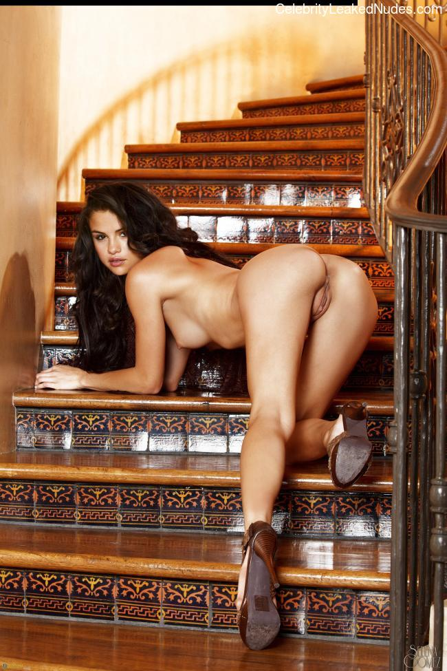 Newest Celebrity Nude Selena Gomez 3 pic