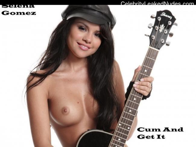 Nude Celeb Selena Gomez 31 pic