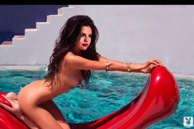 Selena Gomez nude celebrities