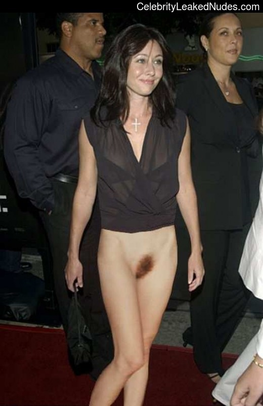 Naked Celebrity Shannen Doherty 30 pic