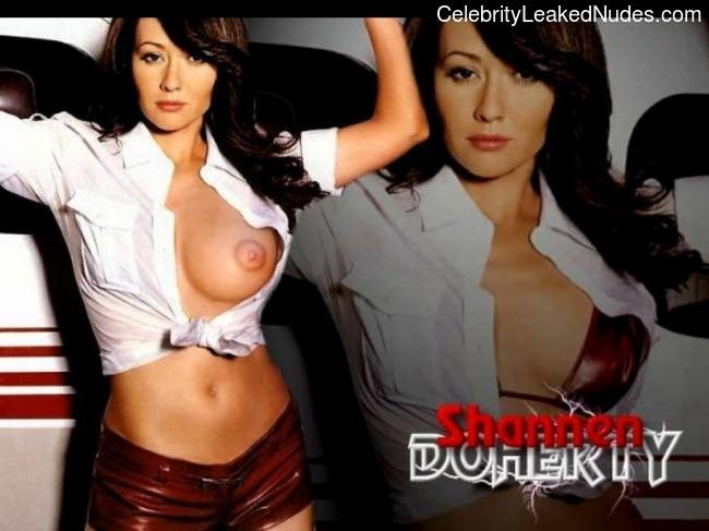 nude celebrities Shannen Doherty 31 pic