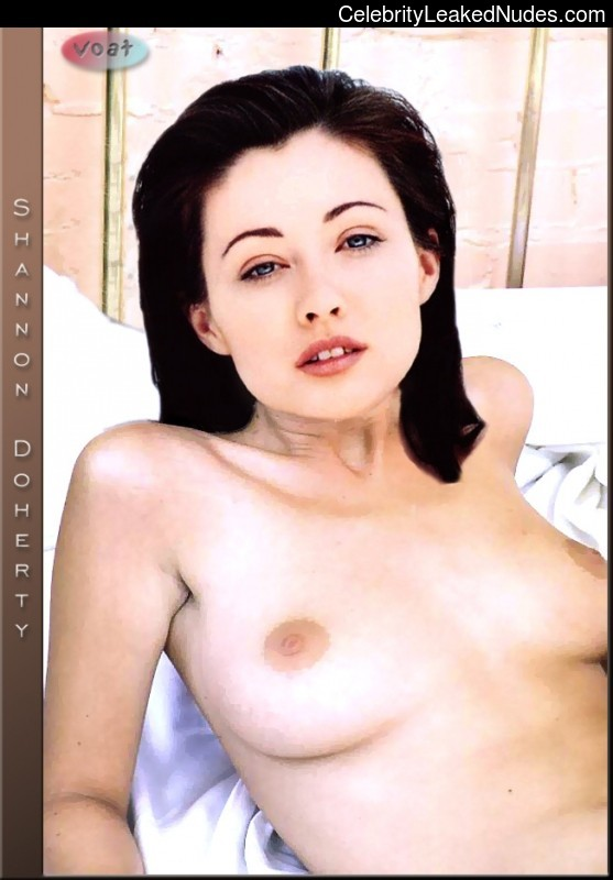 Naked Celebrity Shannen Doherty 25 pic