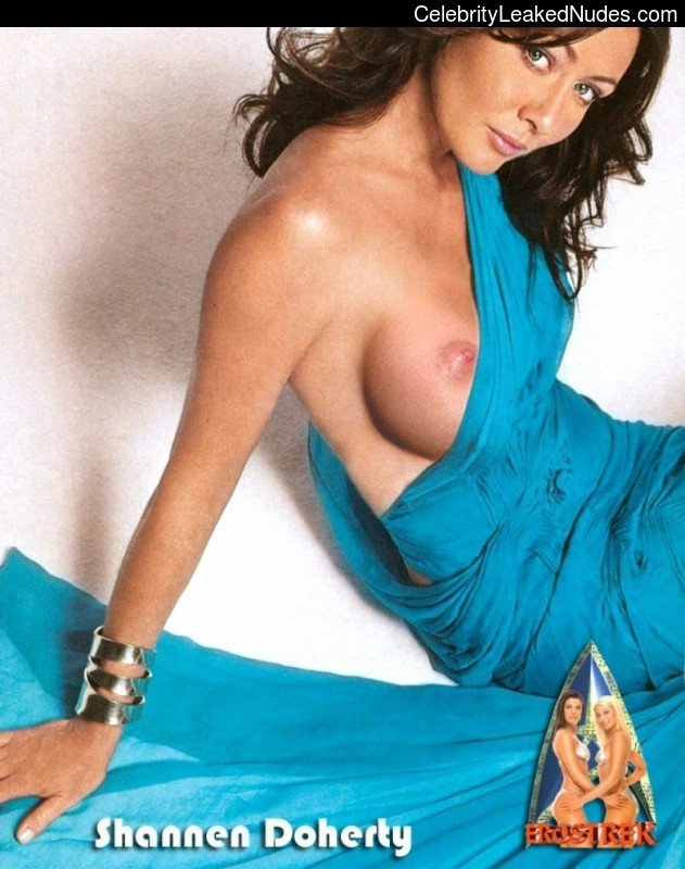 Celeb Nude Shannen Doherty 12 pic