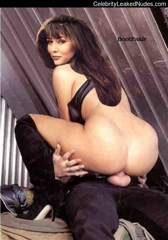 Nude Celebrity Picture Shannen Doherty 26 pic