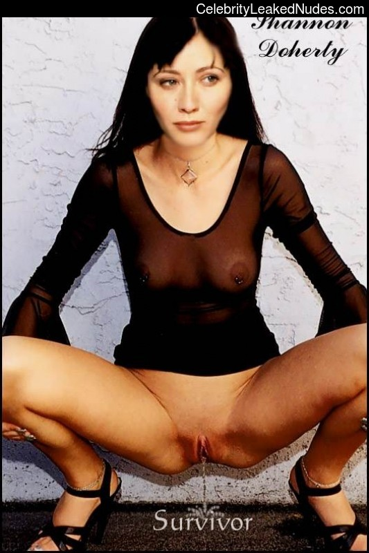 Celeb Naked Shannen Doherty 4 pic