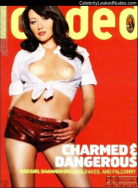 Naked Celebrity Pic Shannen Doherty 5 pic
