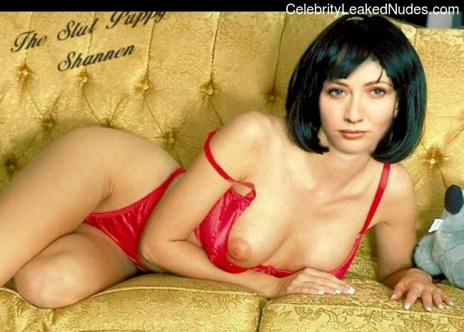 Naked celebrity picture Shannen Doherty 14 pic