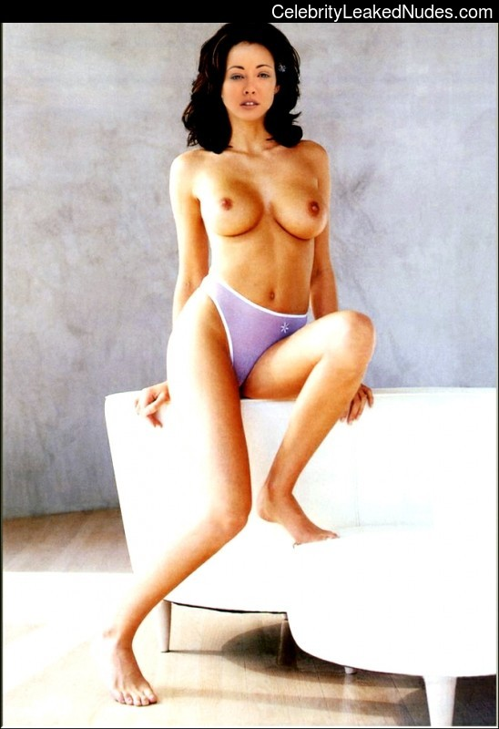 Nude Celebrity Picture Shannen Doherty 25 pic