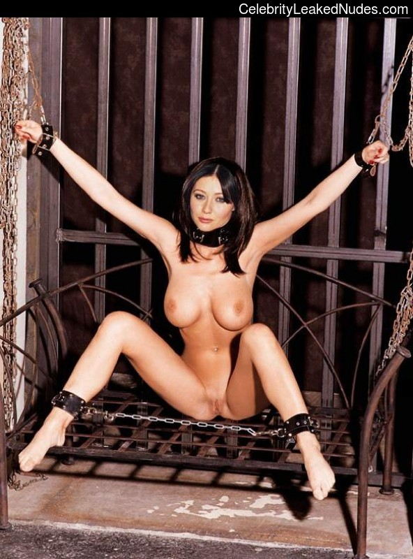 Hot Naked Celeb Shannen Doherty 31 pic