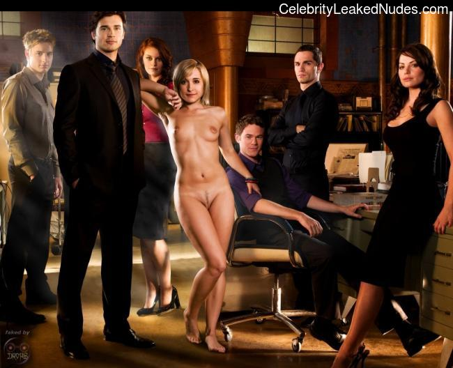 Celebrity Naked Smallville 8 pic
