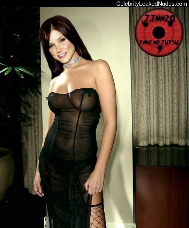 Famous Nude Sophia Bush 24 pic