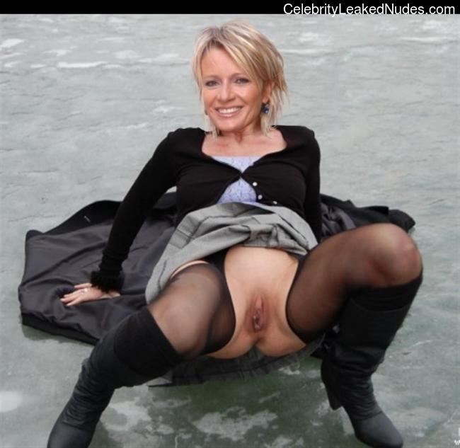 Celebrity Naked Sophie Davant 18 pic