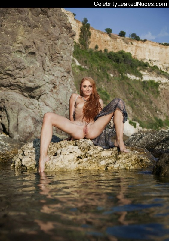 nude celebrities Sophie Turner 18 pic