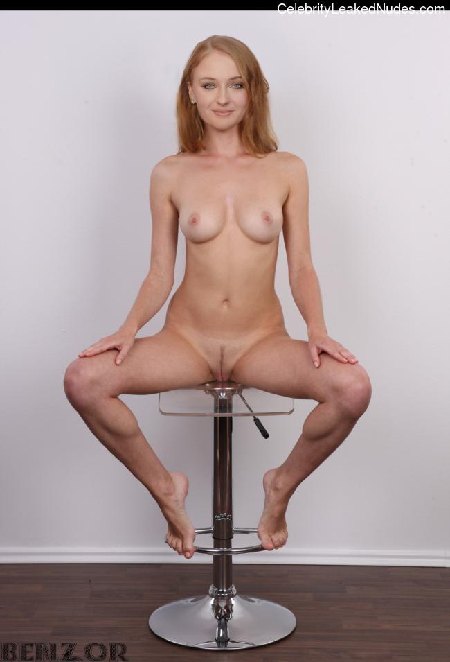 Celeb Naked Sophie Turner 3 pic