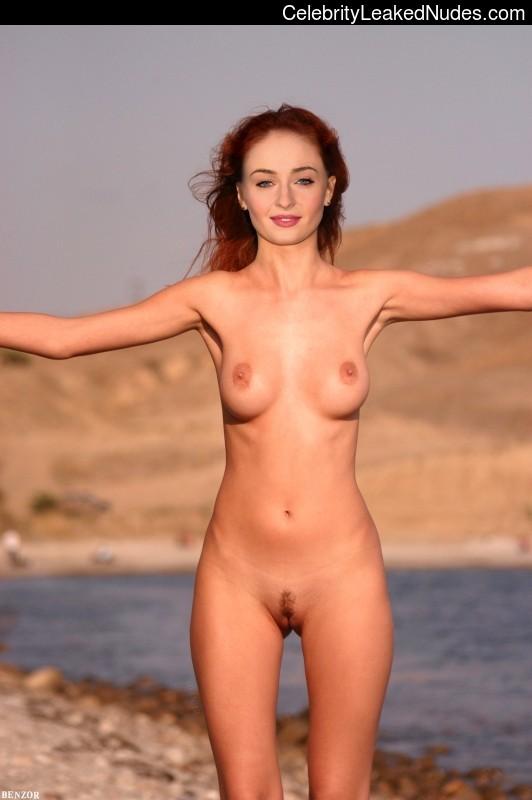 Free Nude Celeb Sophie Turner 4 pic
