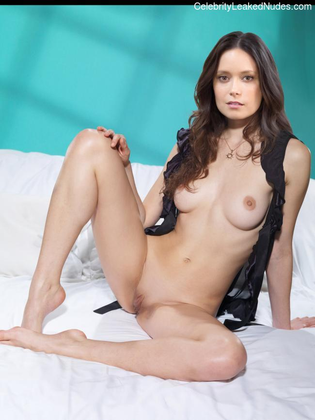Celebrity Naked Summer Glau 28 pic