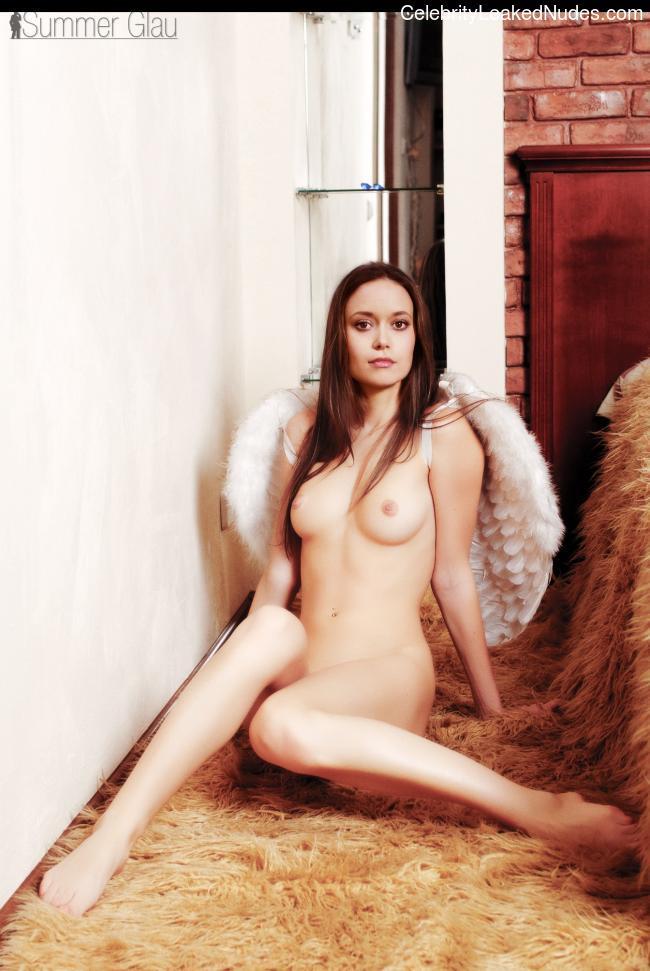 Famous Nude Summer Glau 27 pic