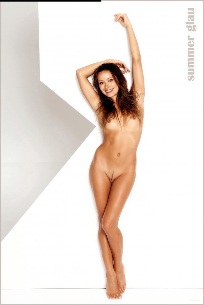 Celeb Nude Summer Glau 15 pic