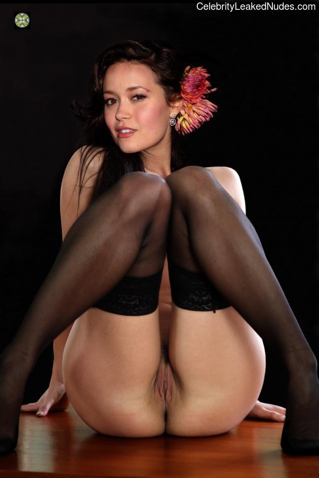 Free Nude Celeb Summer Glau 31 pic