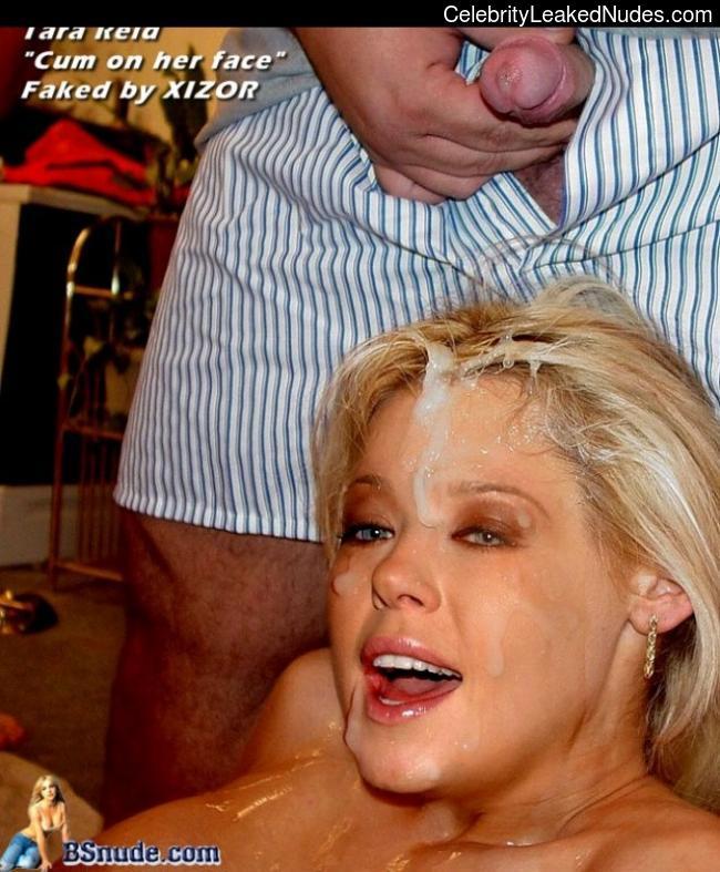 Naked celebrity picture Tara Reid 29 pic