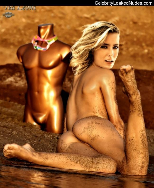 God's Scarlet Téa Leoni naked girl ever