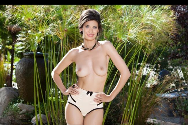 Teresa Palmer naked celebrity pics