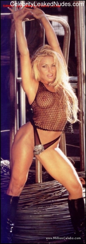 nude celebrities Trish Stratus 8 pic