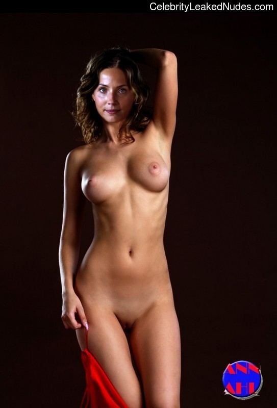 tuva novotny naked