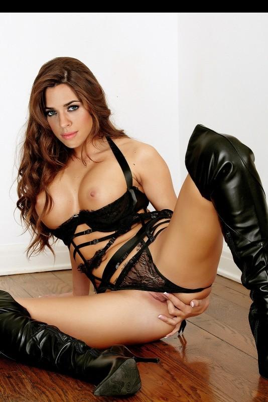 Vanessa Mai free nude celeb pics