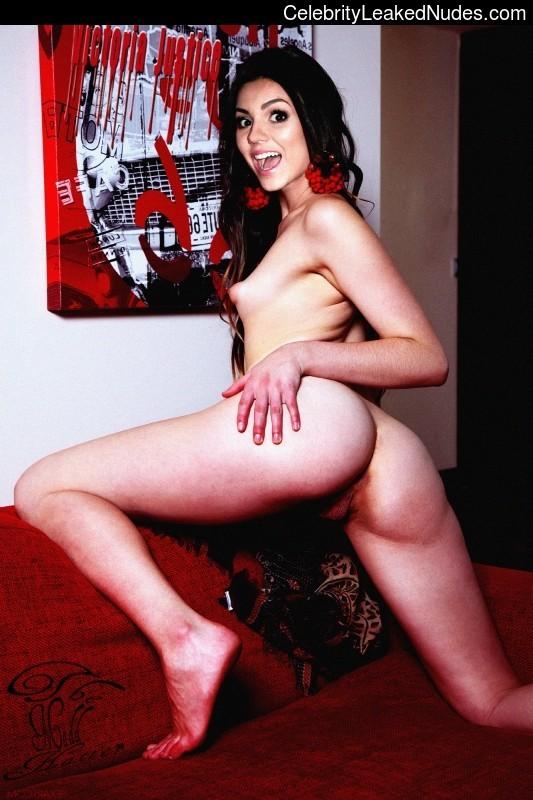 Free Nude Celeb Victoria Justice 8 pic
