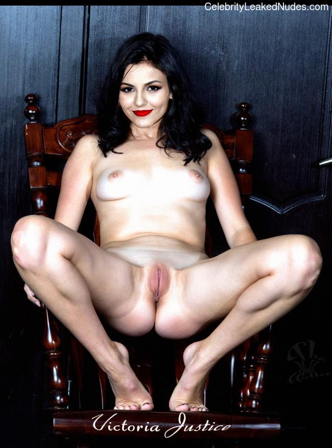 Victoria Justice naked celebrity