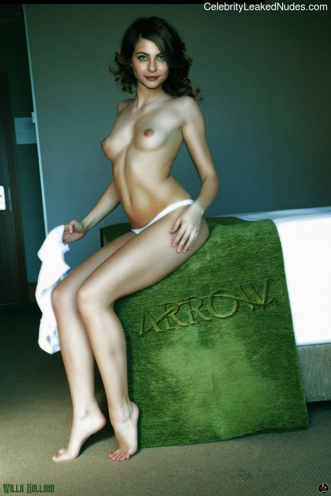 Celebrity Naked Willa Holland 7 pic