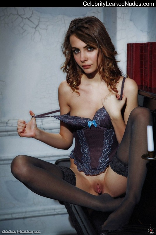 naked Willa Holland 1 pic
