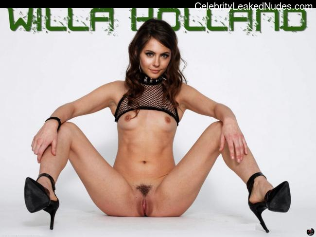 Celebrity Naked Willa Holland 1 pic