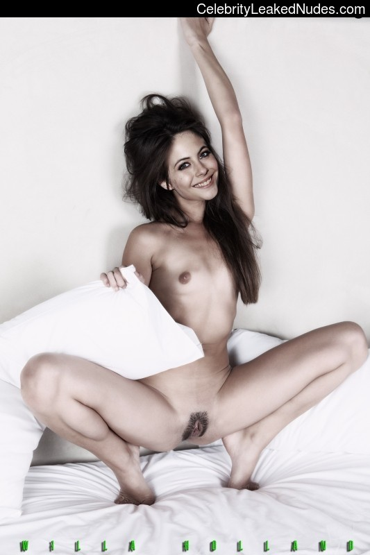 Free nude Celebrity Willa Holland 1 pic