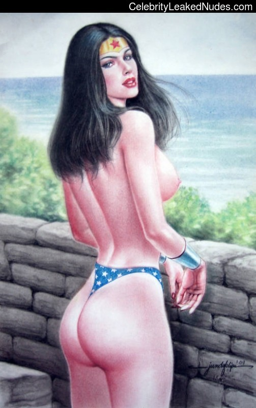Naked celebrity picture Wonder Woman 20 pic