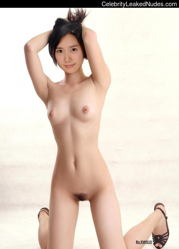 Naked Celebrity Pic Younha 21 pic
