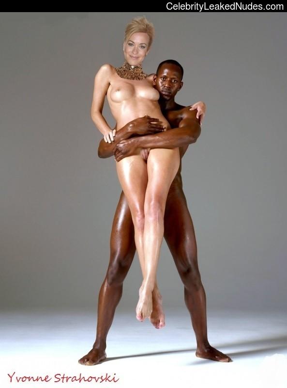 Yvonne Strahovski Nude Fakes 118